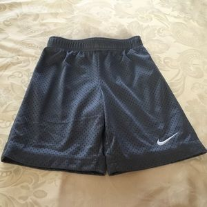 Nike Gray Boys Mesh Shorts.  Size 6